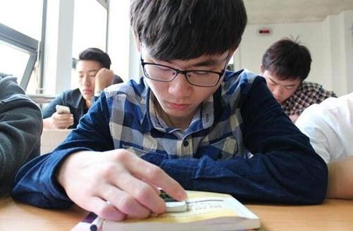 辩论赛视频:中学生该不该带手机上学